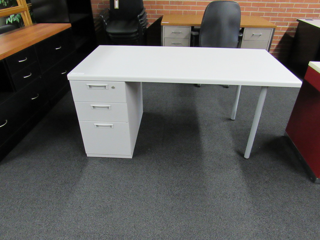 desks excel recycled office furniture. Black Bedroom Furniture Sets. Home Design Ideas